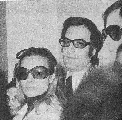 Carmen Sevilla, Augusto Alguer� y Junio. Los tres, muy apenados, procuraron permanecer ocultos entre la multitud, sin ning�n deseo de publicidad.