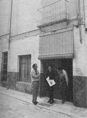En esta fotografía vemos la casa de Ayelo de Malferit, donde nación Nino; hoy, dividida en dos, está ocupada por una prima suya.